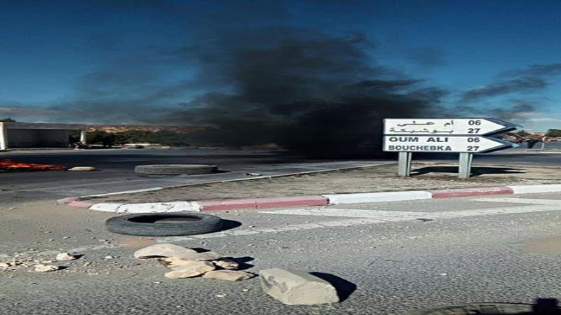 عاطلون يغلقون الحدود الجزائرية التونسية