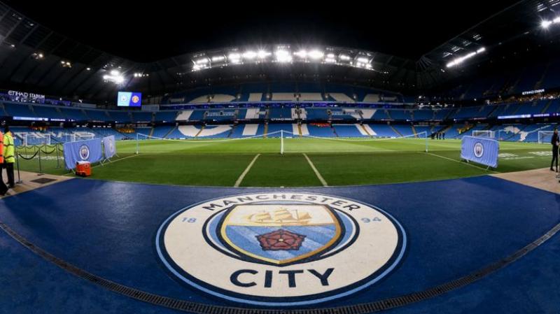 منع مانشستر سيتي من المسابقات الأوروبية لمدة موسمين