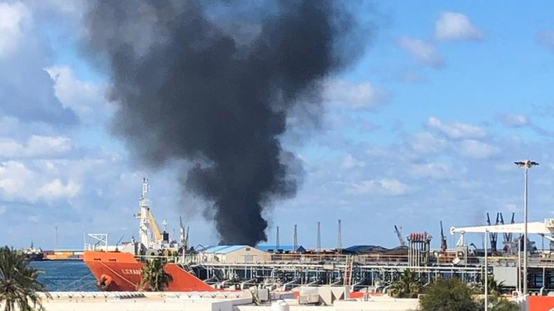 سقوط قذائف على ميناء الشعب بالعاصمة الليبية