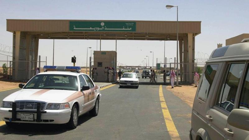 أول تحرّك للسعودية بعد إعلان تفشي 'كورونا' في إيران