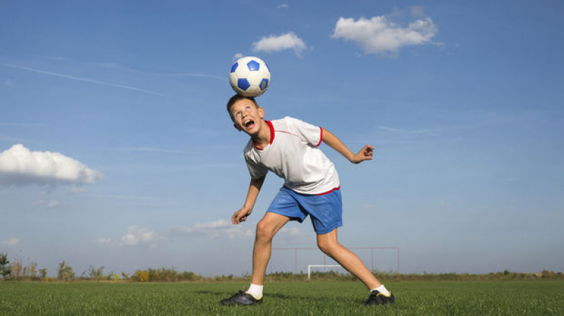 إنقلترا: منع لاعبي هذه الأصناف من ضرب الكرة بالرأس