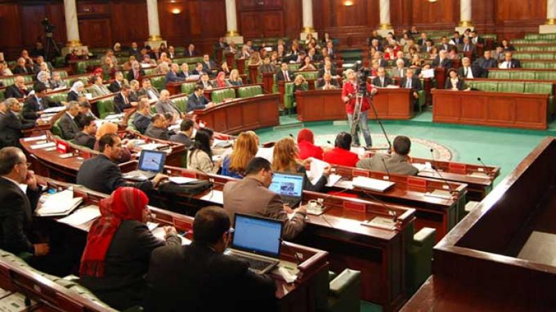 جلسة استماع حول مشروع القانون المتعلق بزجر الإعتداء على القوات المسلحة