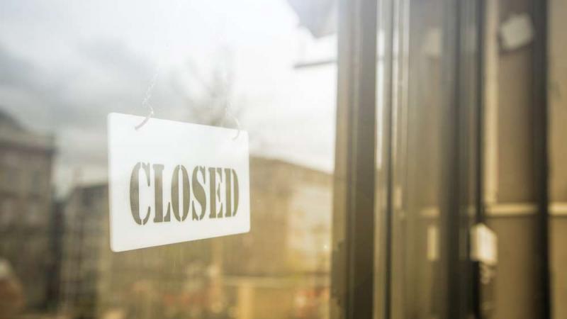 مطعم في العاصمة يُبادر بغلق أبوابه وقاية من كورونا