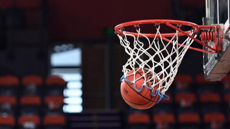 إيقاف كل أنشطة كرة السلة