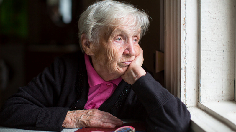 كورونا: كيف نقنع كبار السن بعدم مغادرة منازلهم ؟