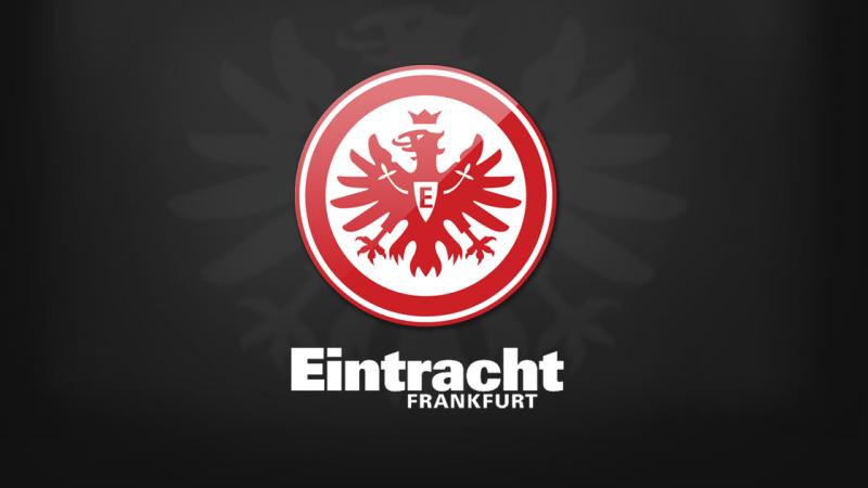 نادي اينتراخت فرانكفورت يعلن اصابة احد لاعبيه بكورونا