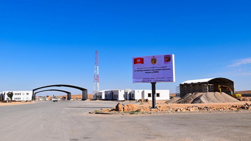 إجلاء 11 تونسيا علقوا بمعبر وازن الحدودي