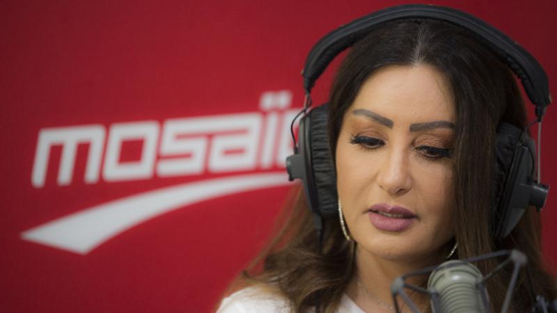 لطيفة العرفاوي تتكفل ب23 تونسياً عالقاً في مصر