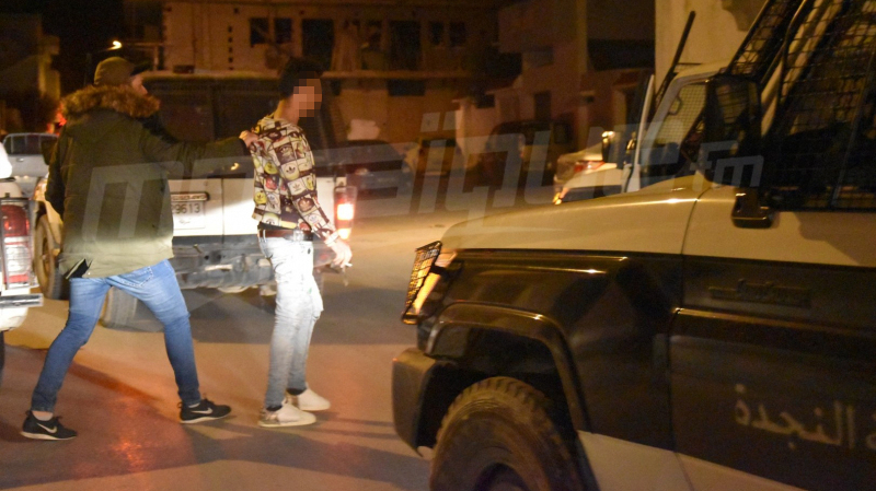 الوردانين: القبض على 8 اشخاص خرقوا الحجر الصحي وقدموا الخمر لطفل