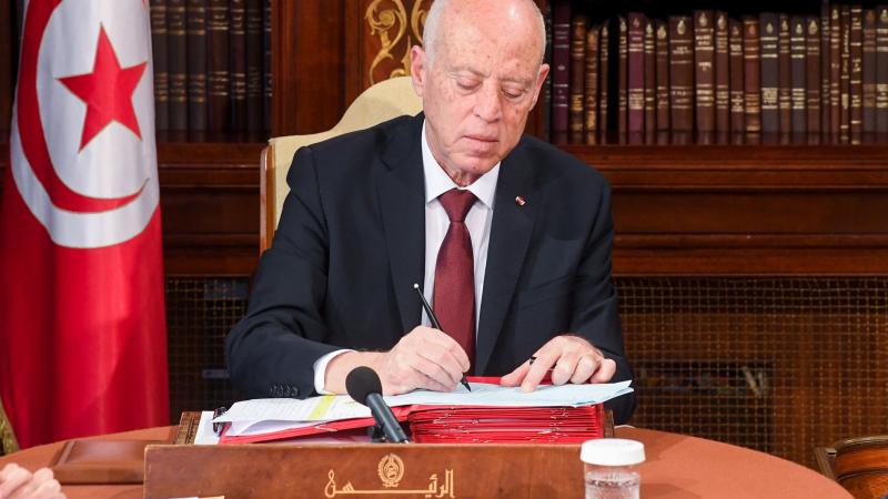 بقرار من رئيس الدولة: تأجيل قروض الموظفين والقطاعات الهشة لـ3 أشهر