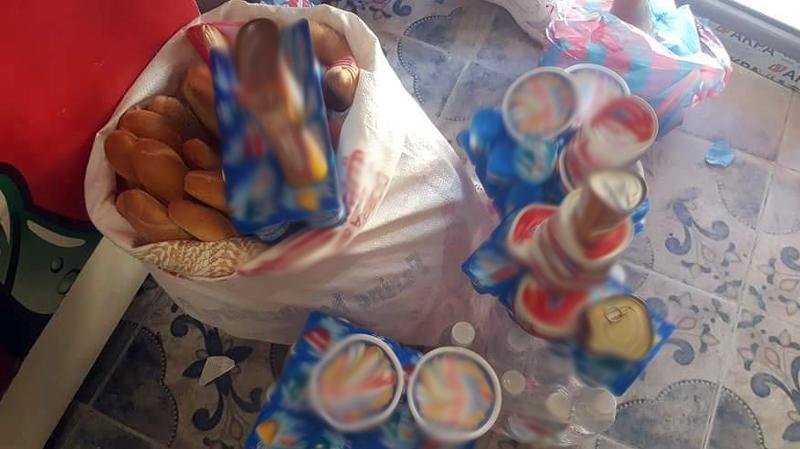 القصرين: متطوعون يوزعونالغذاءعلى المشمولين بالحجر