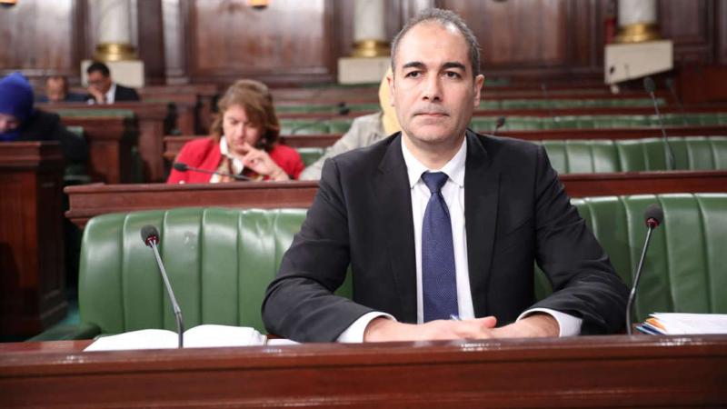 وزير المالية: الوضع صعب وتوقف شركات عمومية وارد