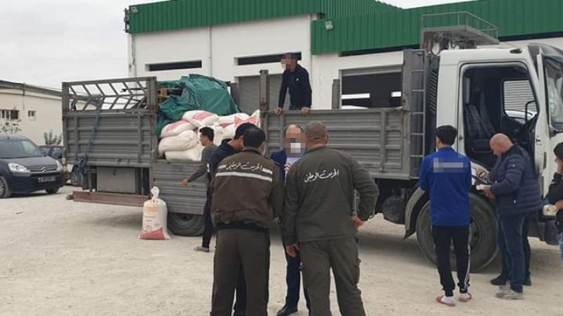 وزير التجارة: شاحنات السميد ستتنقل تحت مراقبة الأمن والجيش