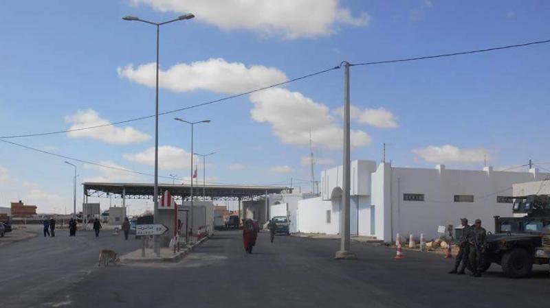 إجلاء تونسيين علقوا بمعبر وازن الحدودي