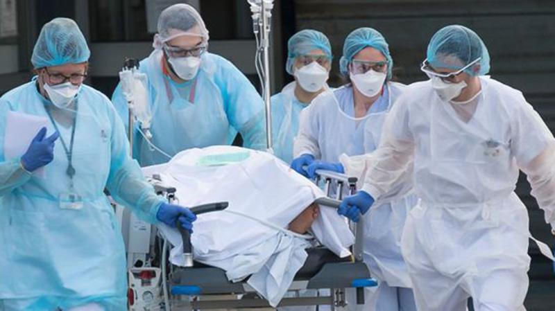 فرنسا تُحصي حوالي 300 وفاة بكورونا في 24 ساعة !