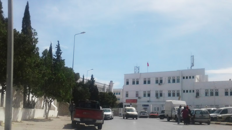 مستشفى عبد الرحمان مامي: 20 سريرا فقط لمرضى كورونا ونقص في الأطباء