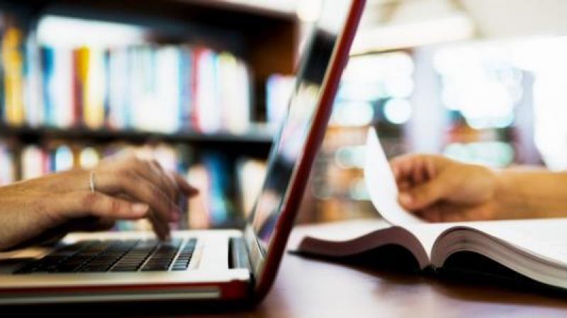 لكافة التلاميذ والطلبة: إقرار مجانيّة النفاذ إلى منصات التعليم عن بُعد