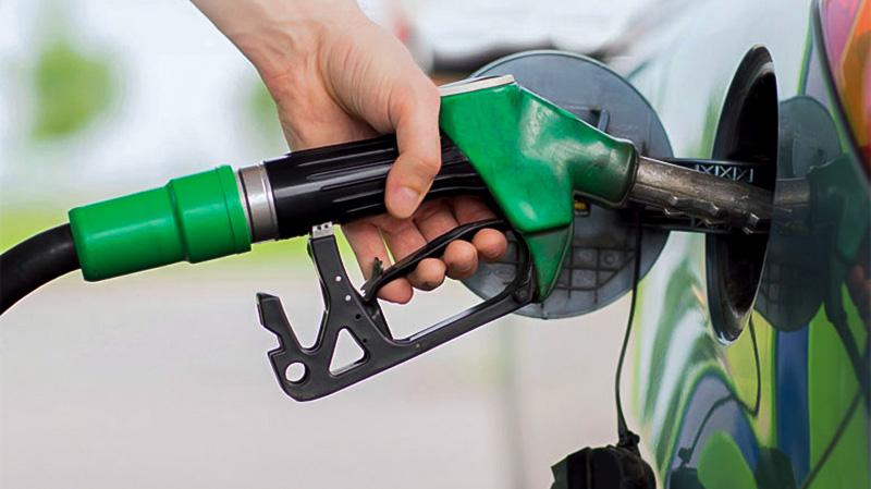 الفخفاخ يُقرّر عدم إسناد مقتطعات الوقود لأعضاء الحكومة وهؤلاء الموظفين