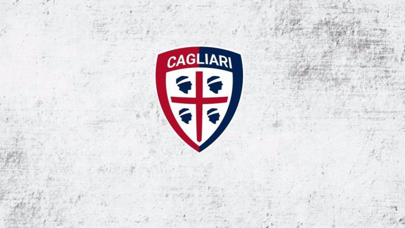 لاعبو كالياري الإيطالي يتنازلون عن رواتبهم لدعم فريقهم