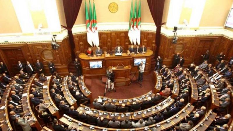 وفاة نائب جزائري بكورونا