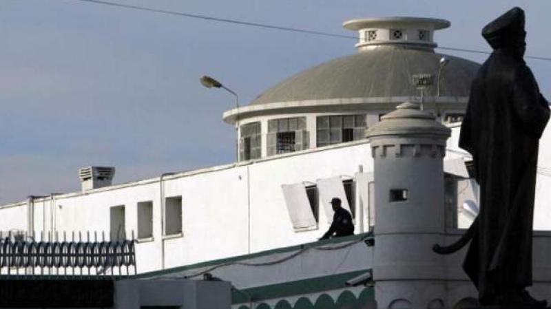 الرئيس الجزائري يعفو عن حوالي خمسة آلاف سجين
