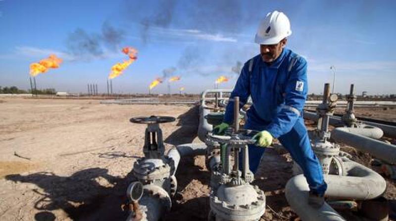 إنخفاض أسعار النفط لأقل من 17 دولاراً للبرميل الواحد