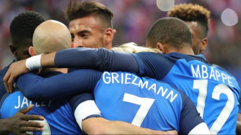 نجوم المنتخب الفرنسي ينسجون على منوال لاعبي المنتخب الوطني التونسي