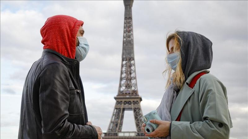فرنسا: مدربون يتبرعون لوزارة الصحة