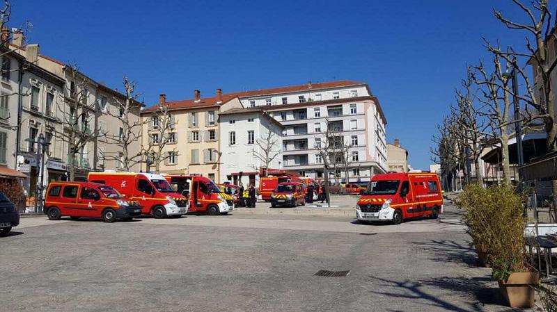 فرنسا: قتيلان وسبعة جرحى في اعتداء بسكين
