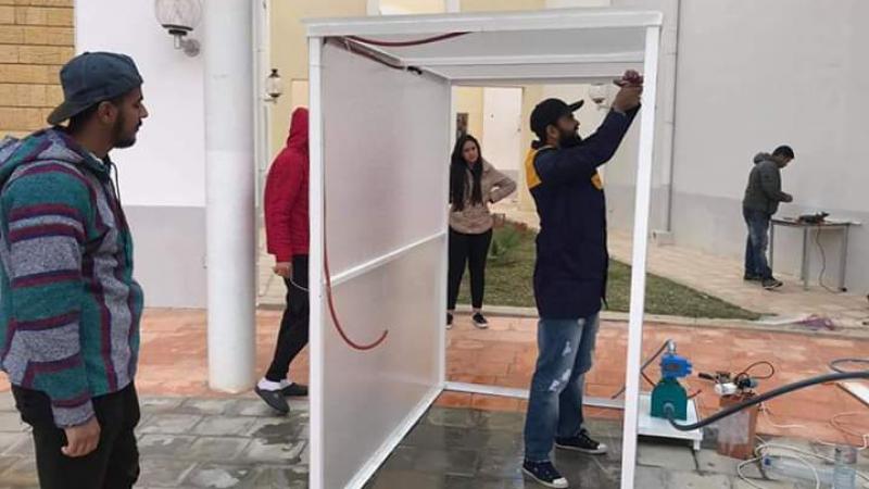 سيدي بوزيد: طلبة معهد الدراسات التكنولوجية يصنعون ممرّات تعقيم