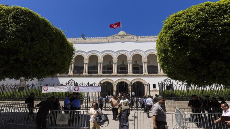 وزارة العدل: قريبا مرسوم لتعليق آجال التقاضي وجلسات عن بعد للموقوفين