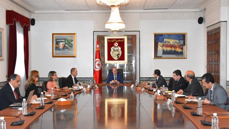 جلسة عمل وزارية للنظر في خطة وطنية للإنعاش الاقتصادي