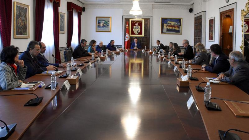 كورونا: الفخفاخ يطلع على تطوّرات الوضع الوبائي