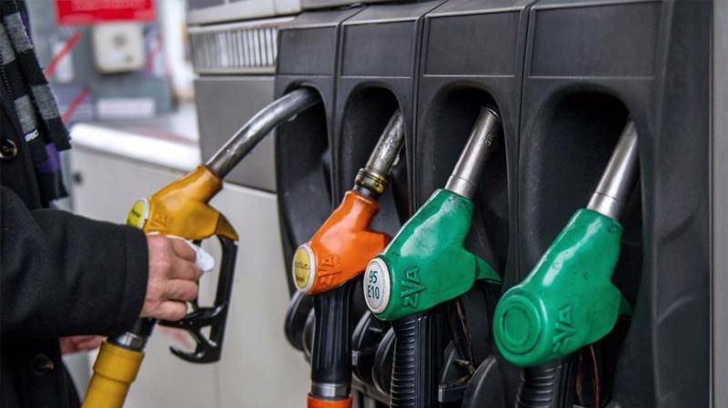 سابقة في العالم العربي: وزارة الطاقة تكشف تركيبة سعر لتر البنزين