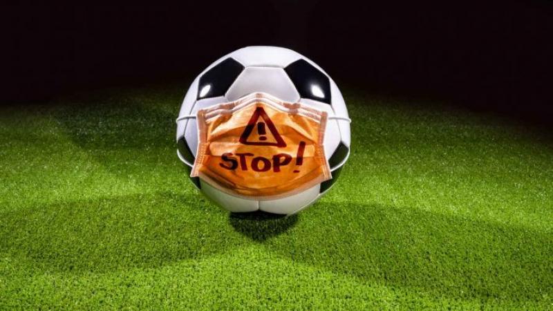 جامعة كرة القدمتبحثإمكانية صناعة أقنعة واقية خاصة باللاعبين