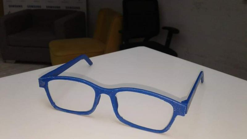 تفاعلا مع وزير الصحة: طلبة الهندسة بسوسة يصممون نظارة بتقنية 3D