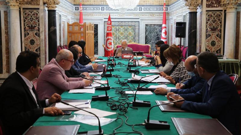 مكتب البرلمان يقرر جلسة عامة للحوار مع رئيس الحكومة وفريقه