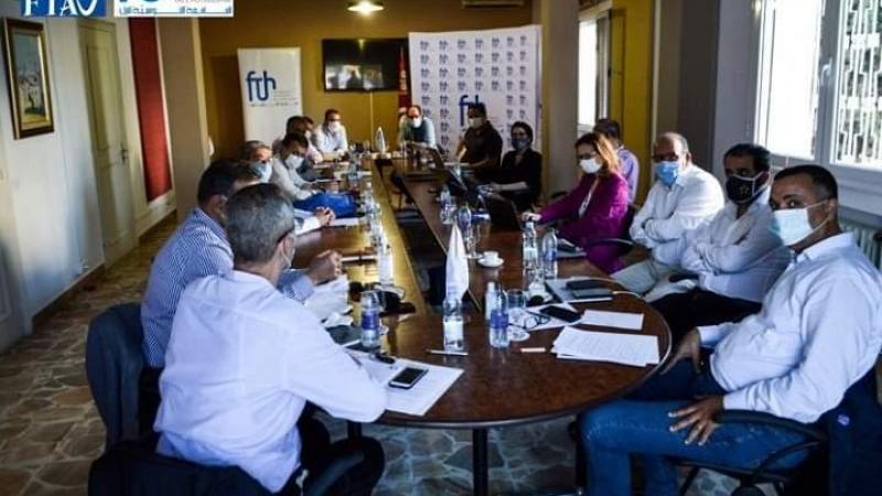 جامعتا النزل ووكلاء الأسفار ترفضان عودة الموسم السياحي في جوان