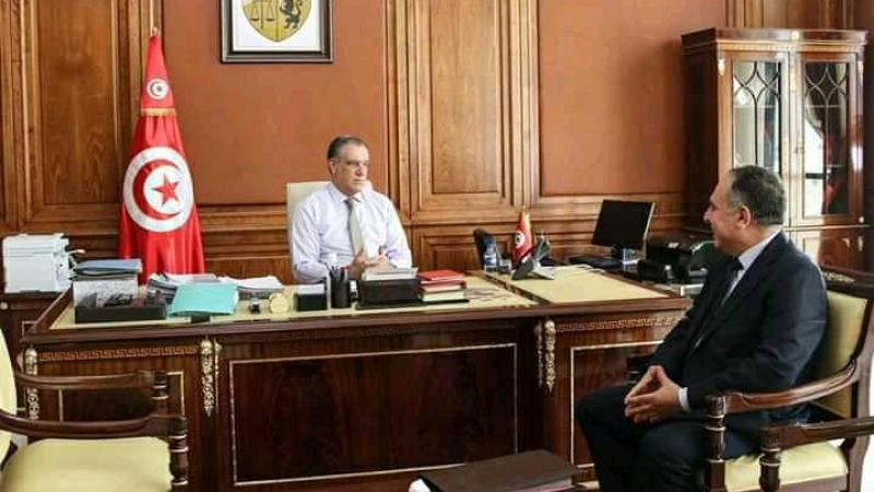 وزير أملاك الدّولة يشدّد على إعطاء الأولوية المطلقة لرقمنة الخدمات