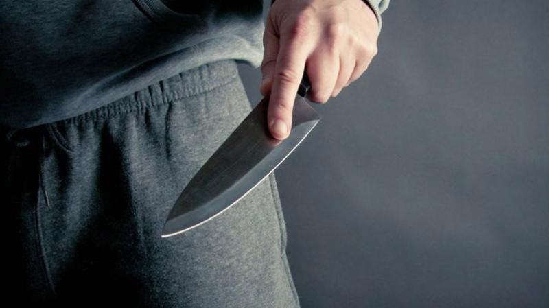 طعنا بسكين: شاب يحيل شقيقه وزوجته على الإنعاش