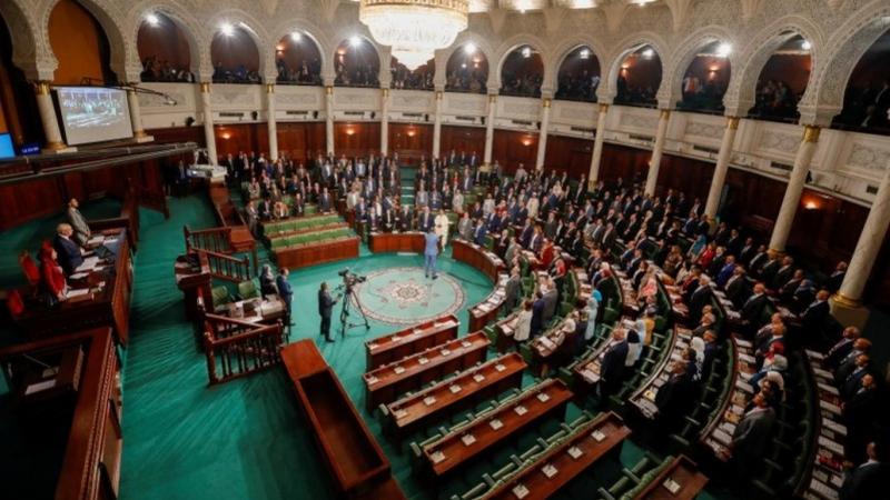 بن ابراهيم: البرلمان يناقش مشروع قانون يطبع علنيا مع الكيان الصهيوني