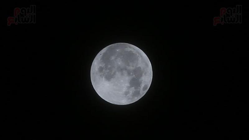 5 جوان: خسوف شبه الظل للقمر