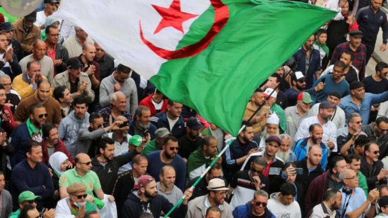 الجزائر: أحكام بالسجن بحق خمسة متظاهرين من الحراك
