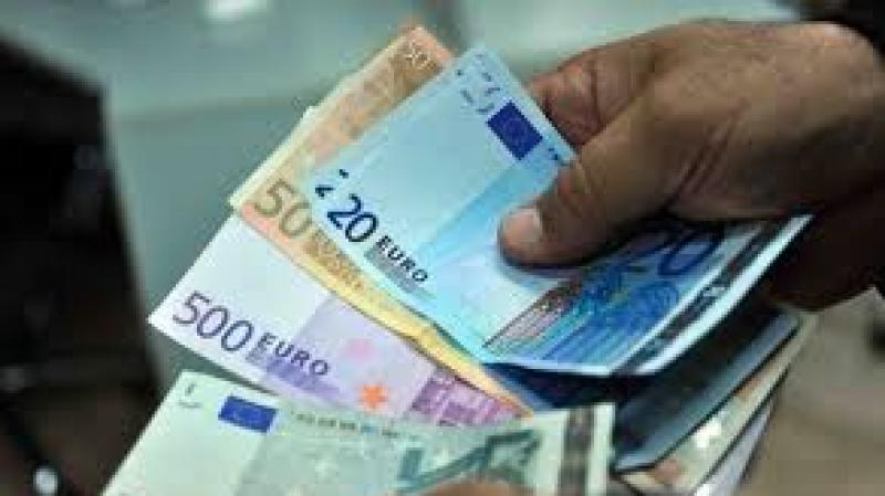 يهم التونسيين بالخارج : إعفاء في عمليات تحويل الأموال