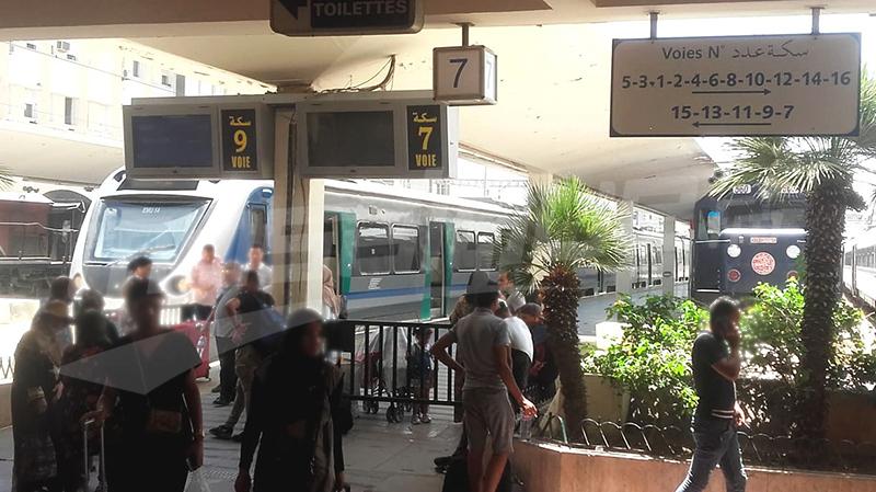بعد إضراب فجئي: إتّفاق على صرف أجور أعوان السكك الحديدية