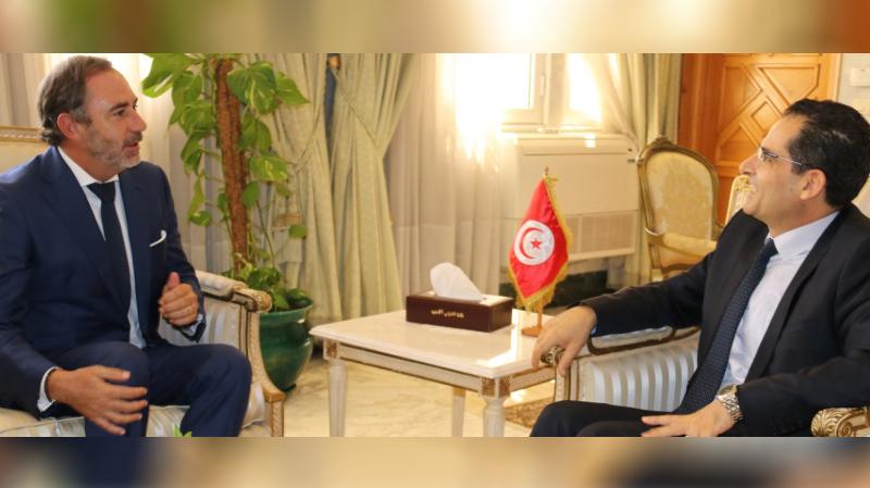 سفير الإتحاد الأوروبي يهنئ الديبلوماسية التونسية