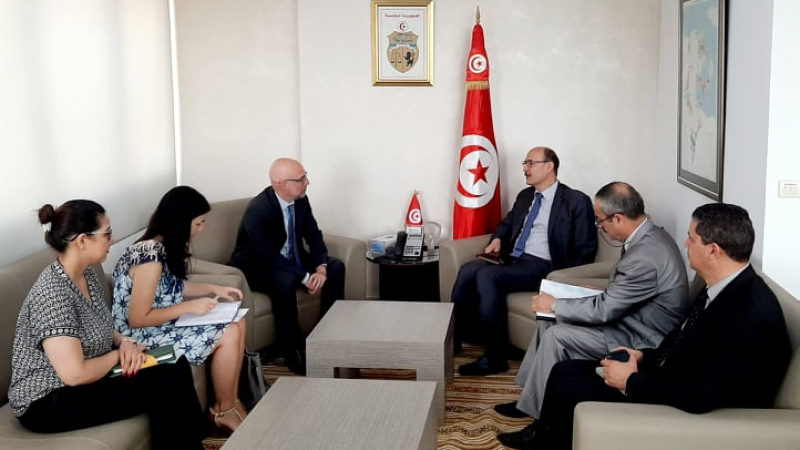 اتفاق تونسي إيطالي على إسراع في إنجاز خط الكهرباء الهوارية صقلية