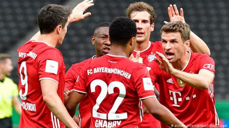 بايرن ميونيخ يرفع كأس ألمانيا للمرة الـ20 في تاريخه