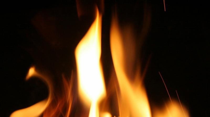 بن عروس: شاب يضرم النار في جسده ..