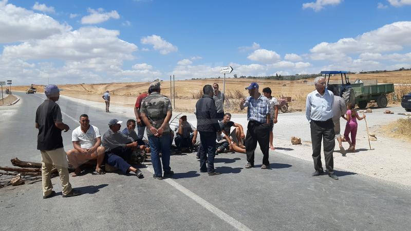 غلق الطريق الرابطة بين باجة وبوسالم